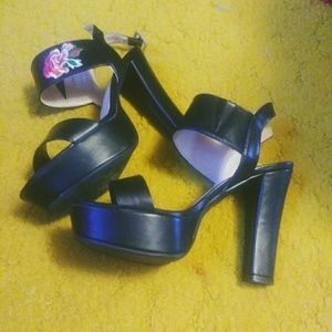 """Shoes - Forever """"rose"""" chunky sandals"""